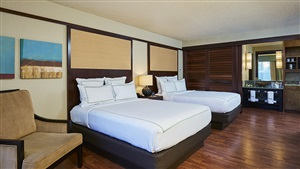 DoubleTree by Hilton Orlando Queen Beds