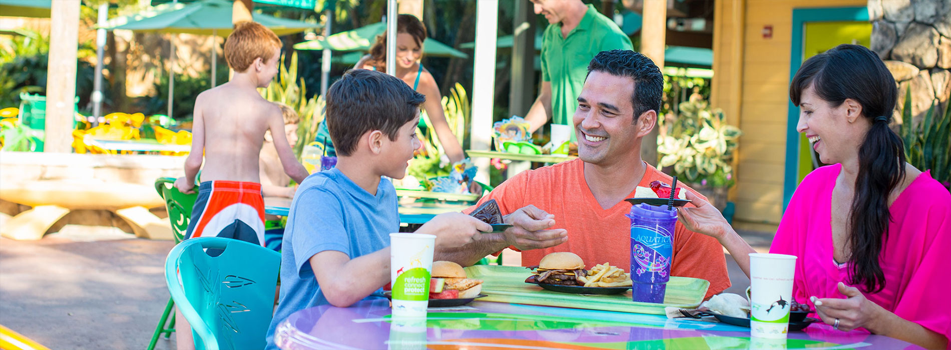 Dining at Aquatica San Diego